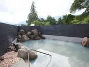 【大浴場】源泉かけ流しの加水・加湿は一切行わない天然温泉