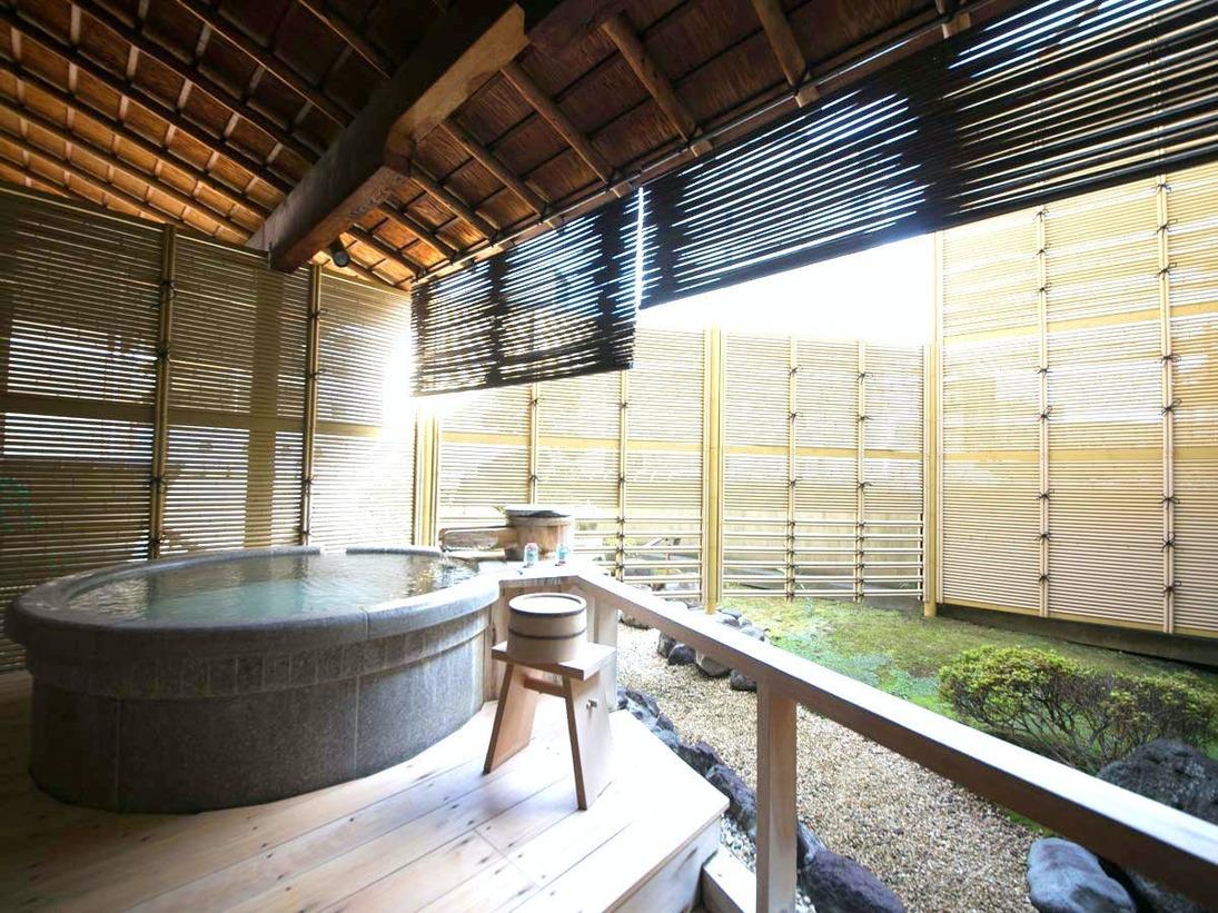 お客様より人気の高い露天風呂付客室タイプ。お部屋にいながら、天然温泉がじっくりお楽しみいただけます。