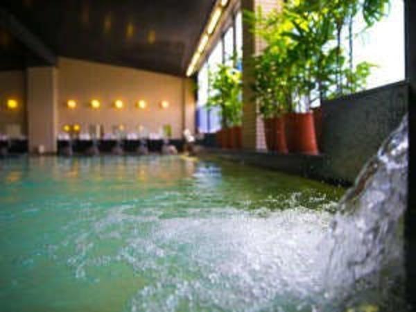 唐津まつらの湯。広々とした大浴場。