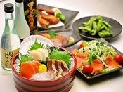食・呑み処 「和み(なごみ)」ボリューム満点の丼物、和み自慢の麺類、ルートインオリジナル上田カリーやビーフシチューなどの夕食メニューの他に、酒の肴として、お造りや一品料理など居酒屋メニューも取り揃えております。