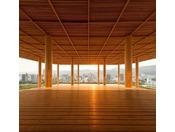 【おりづるタワー】ホテルより徒歩約5分の広島の新スポット。展望台から臨む広島の街並みを心ゆくまでお楽しみください。