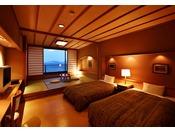和室の趣と洋室の機能性を兼ね備えた和洋室タイプのお部屋。和室では旅の疲れを癒し寛ぎのひとときを、洋室では使い心地のいいツインベッドでゆっくりとお休み下さい。