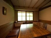 お食事処は、朝夕ともに同じ完全個室となります。