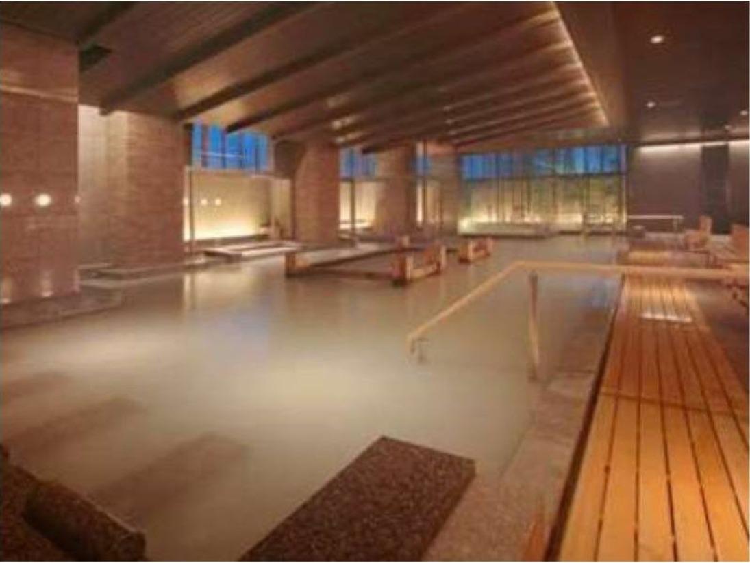 大浴場「芭蕉の湯」~天候によってその色が変化する温泉。異なる3本の源泉が奏でる自然美~