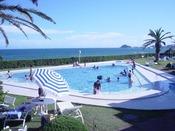 夏にオープンする屋外子供プール