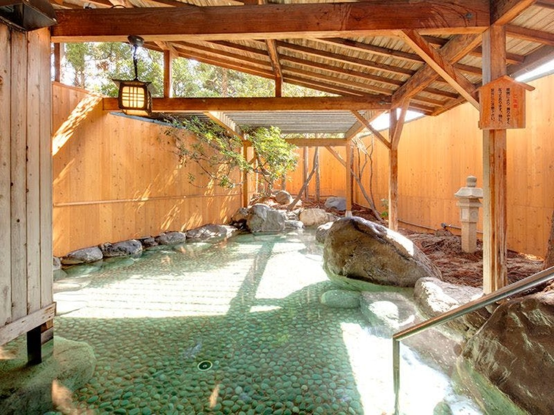 ■露天風呂(ご利用時間15:00~01:00/翌朝4:00~9:00)