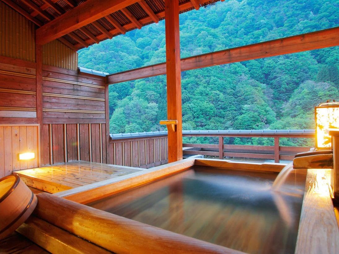 【露天風呂付客室 檜】黒部峡谷の四季の香りに包まれ景観も温泉もあなただけのもの。
