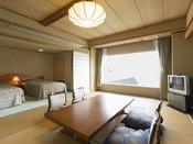 【客室】コーナースイート(海側10畳+ツインベッド) ★お食事しながら海を眺めたい方に★