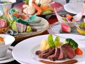 ホテルニューアカオオリジナルの和洋折衷コース料理 旬の食材を盛り込んだコース料理です。会場では毎晩ディナーショーも開催しています。