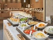 【朝食】地元ならではの食文化、意外な食材同士の組み合わせなど、1日の活力を高めながら「ここにしかない新しい食体験」をお楽しみください。 ※イメージ