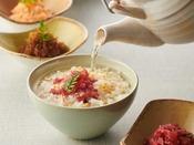 【朝食】だし茶漬け/鯛みそやちりめん山椒など、8種のお茶漬けのお供をご用意しております。 ※イメージ