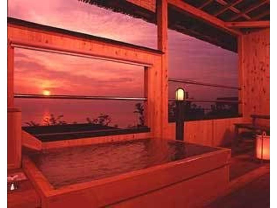 夕方浴場 お部屋に付いた露天風呂で最高の瞬間を