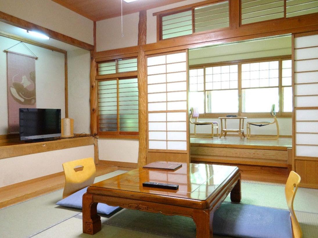 本館6畳客室一例