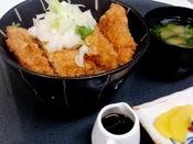 花々亭の夕定食です。計7種類選べる中のひとつ醤油カツ丼(福井のB級グルメ)です。