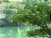 ■ドッコ沼/蔵王中腹にあり、新緑・紅葉によい行楽地。
