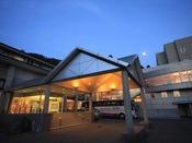 ■蔵王国際ホテル外観 (夜イメージ)