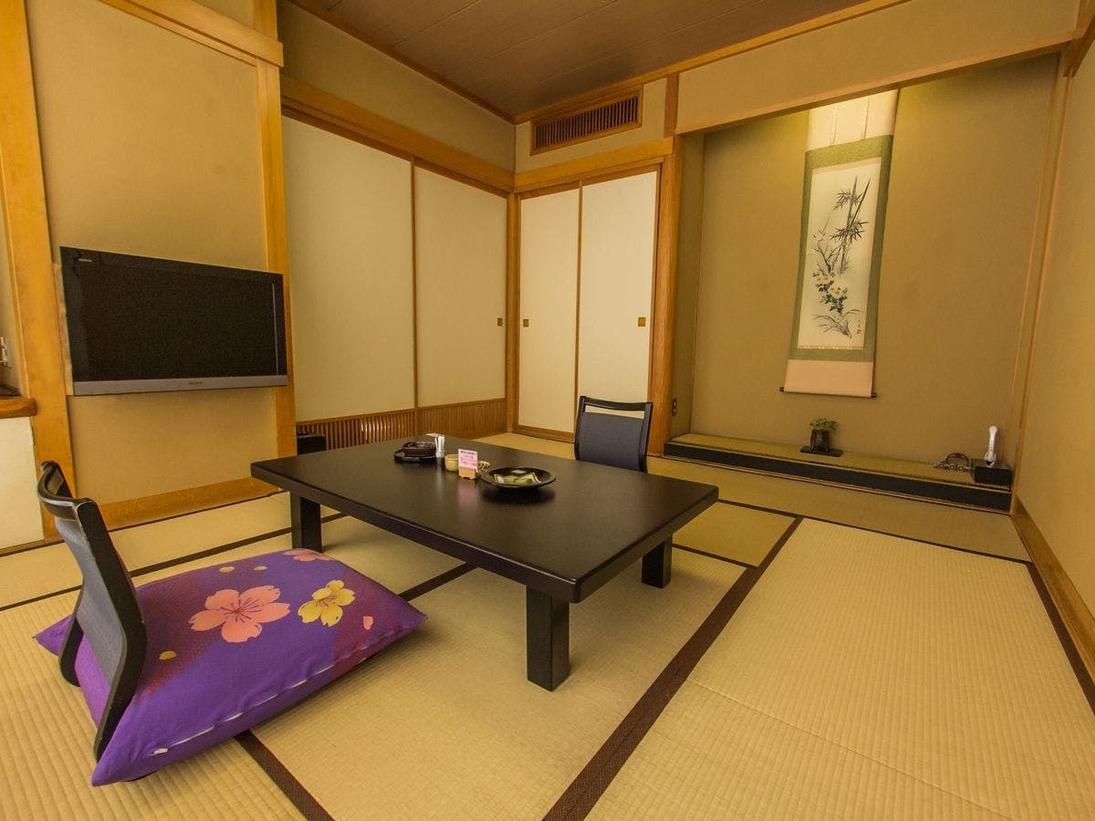【和室10畳】窓も大きく眺めも抜群!手頃な大きさ&料金で、大人気の客室。