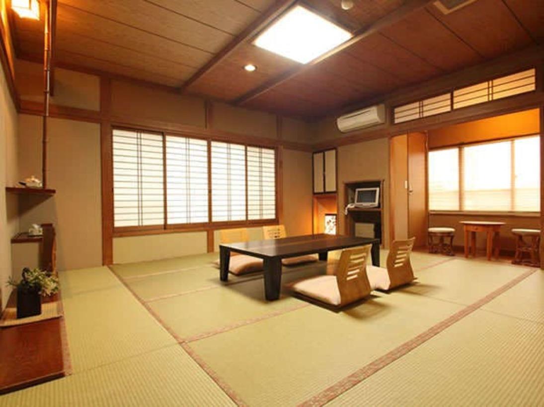 【和室12畳トイレ付】磯部温泉が見渡せる眺望良いお部屋。