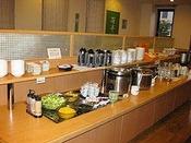 朝食会場の花茶屋です。和洋のバイキング形式6:30~9:00までの営業