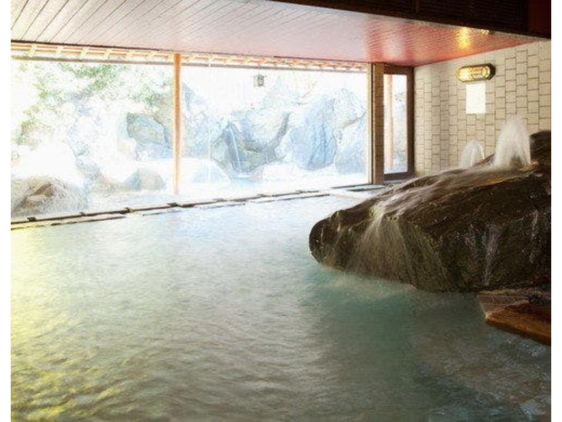 当館大浴場(清水)の内湯画像です。