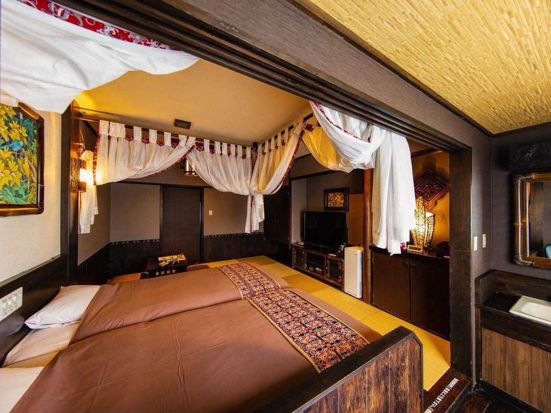 人気の天蓋付きで、バリの雰囲気と畳の居心地の良さを合わせたお部屋タイプ。