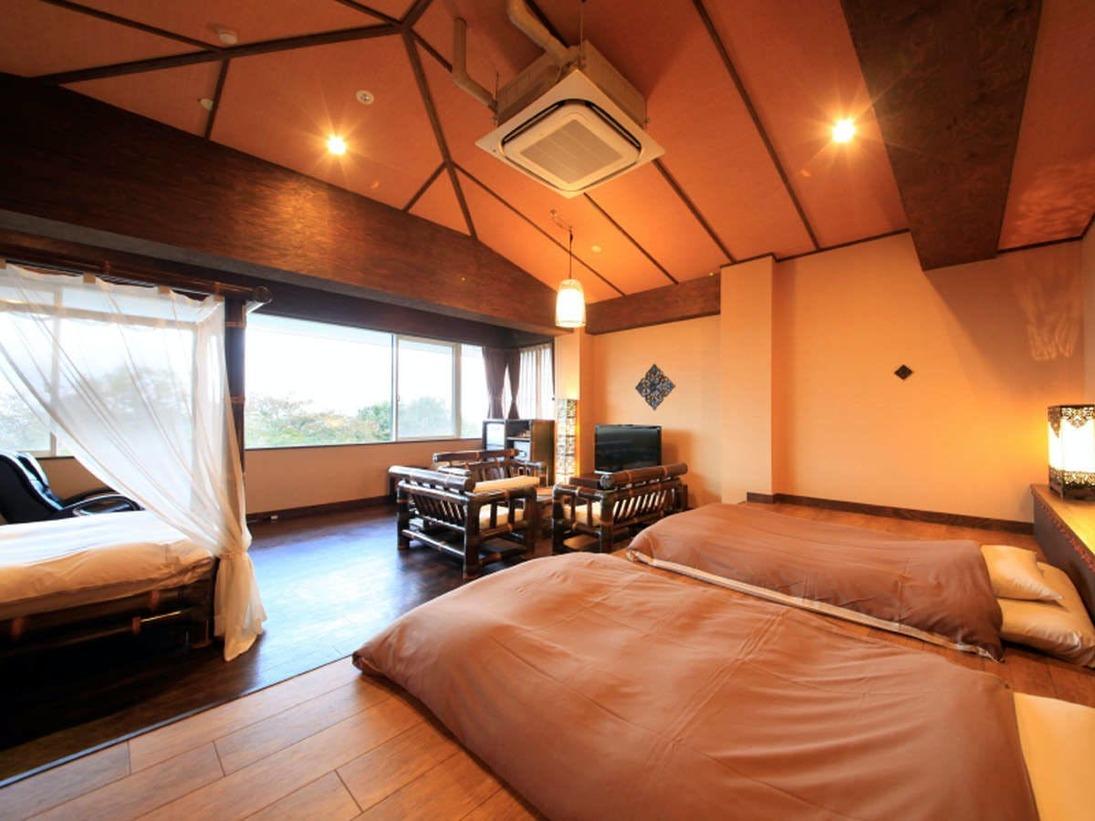 【スイート282】低床式ベッド+天蓋付ダブルベッドまで付いてまさにリゾート気分!
