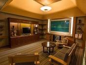 【ホテルフロントロビー】ロビー周辺では、フリーのWiFiを完備しております。