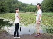 【森のつりぼり】営業時間09:00~17:00(16:00最終)ご宿泊者300円(さお・餌付き)です。自然の池の中で、クチボソ・マブナが釣れます。
