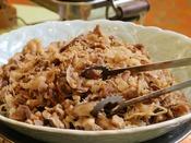 【朝食ブュッフェ】朝からガッツリ食べたいお客様は自慢の米沢牛料理とつや姫をセットでどうぞ!