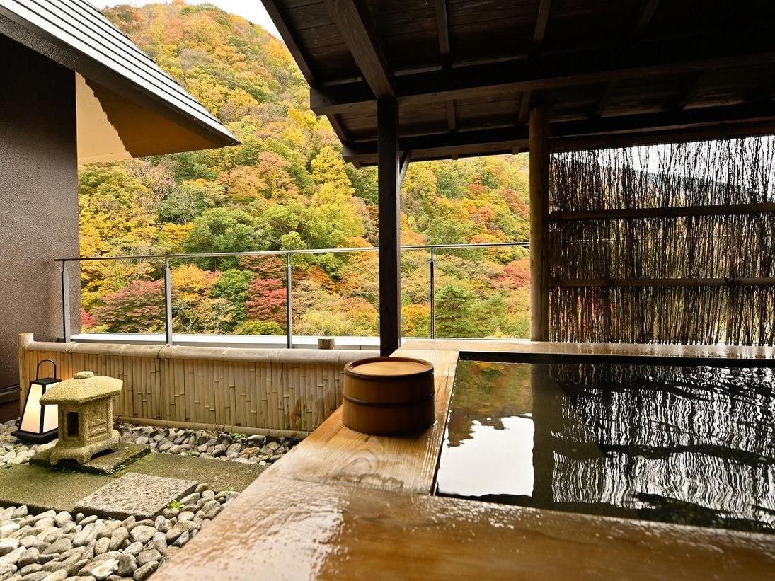 露天風呂付特別室「803号室」の専用露天風呂
