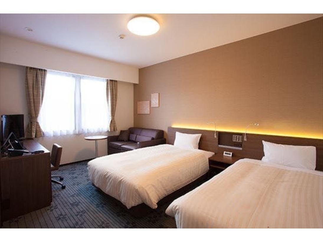 ツインルーム:24平米/定員1~3名/ベッド幅120cm×2 全室禁煙・FreeWi-Fi・バストイレ別ベッドは全米ホテルで広く採用されている「Serta(サータ)」