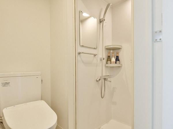 シャワーブースシングルルーム/バスルーム