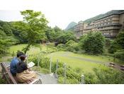 恵まれた自然を遊歩道で満喫!広い庭園には豊沢川も流れ森林浴も楽しめます♪