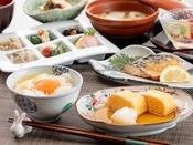 卵と野菜にこだわった、優しいお出汁のお味が好評の和朝食!卵かけご飯は絶品です♪