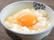 八景の和朝食名物【卵かけご飯】名産の黄ニラ醤油を垂らせば食欲をそそる香りがプラス!