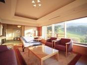 蔵王国際ホテル随一のデラックスなお部屋が特別室です。和室2部屋と応接間のある開放的な客室です。特別な記念日などでのご利用におすすめです。