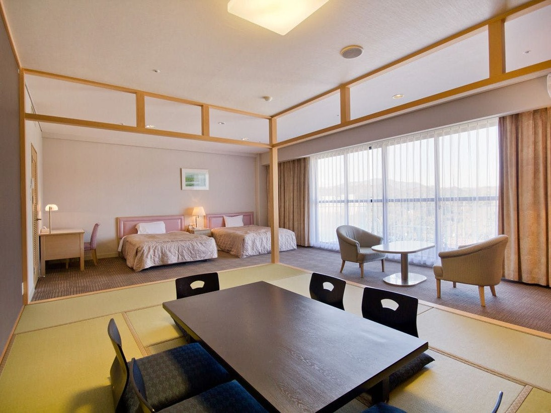 【和洋室】約50平米~の広々とした和洋室です。