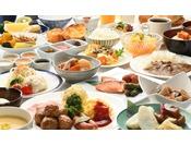 朝食バイキング(大人盛り付け例) ※食材にこだわった30種類ものメニューをお楽しみください