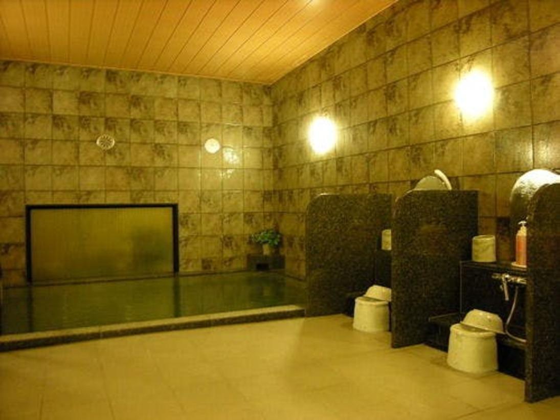 広々とした大浴場でお寛ぎ下さい。