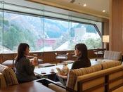 【カフェラウンジ「欅-KEYAKI-」】※無料コーヒーマシンあり