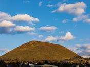 360度台パノラマ無料展望台からは大室山良くみえます。2月の山焼きも楽しめます。