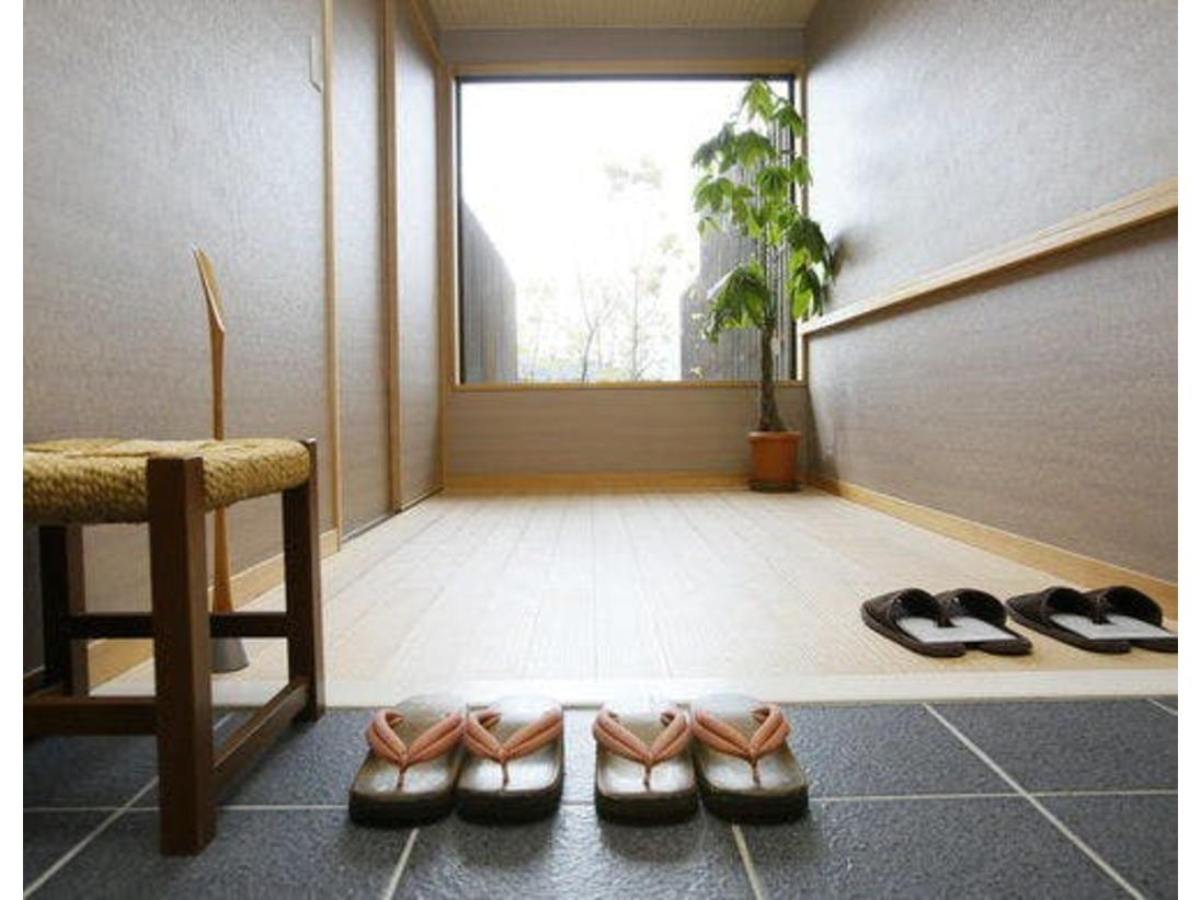 客室玄関(一例)