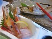 四季折々の幸を使ったお食事。新鮮なお造りも人気の一品です。※写真はイメージ