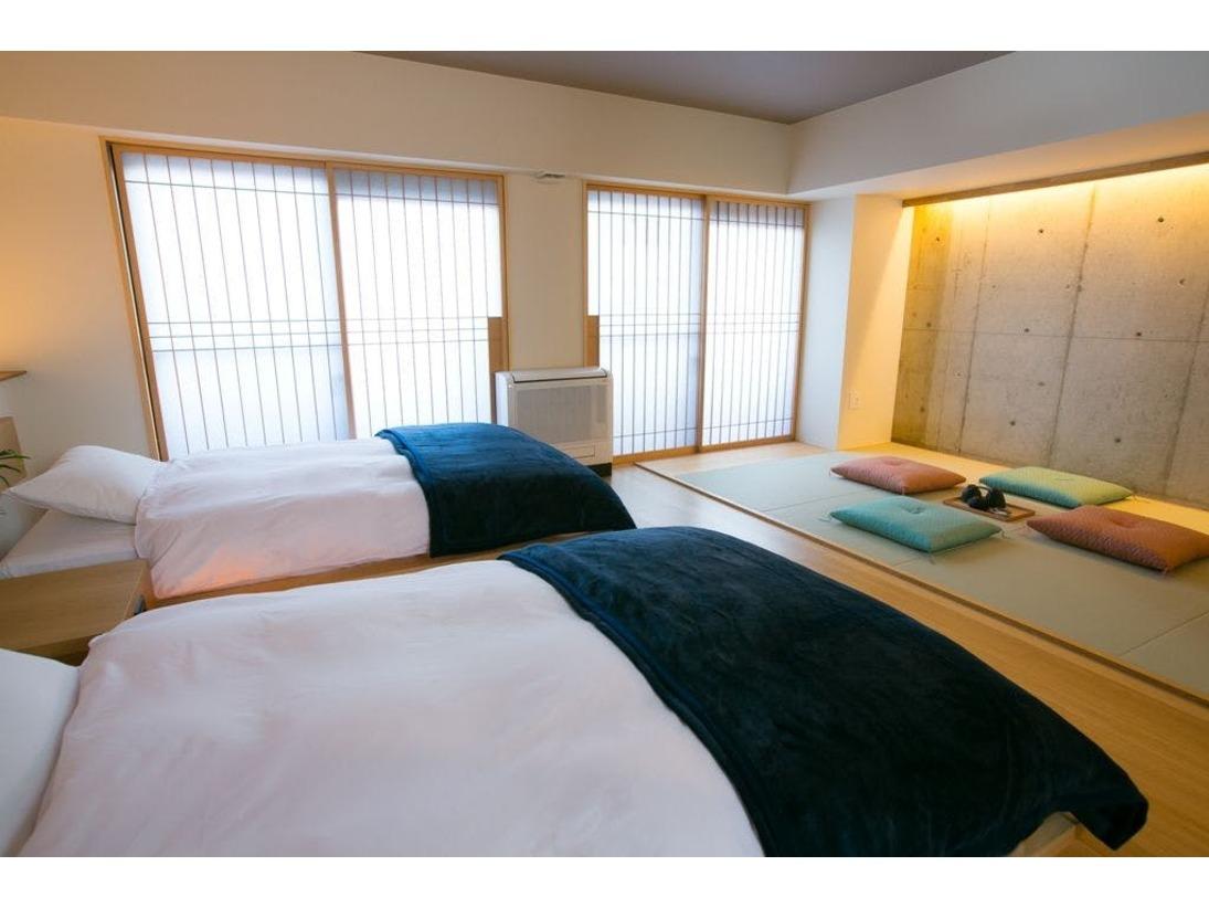 スタンダードファミリールーム。癒しの畳スペースのある和洋室のお部屋です。