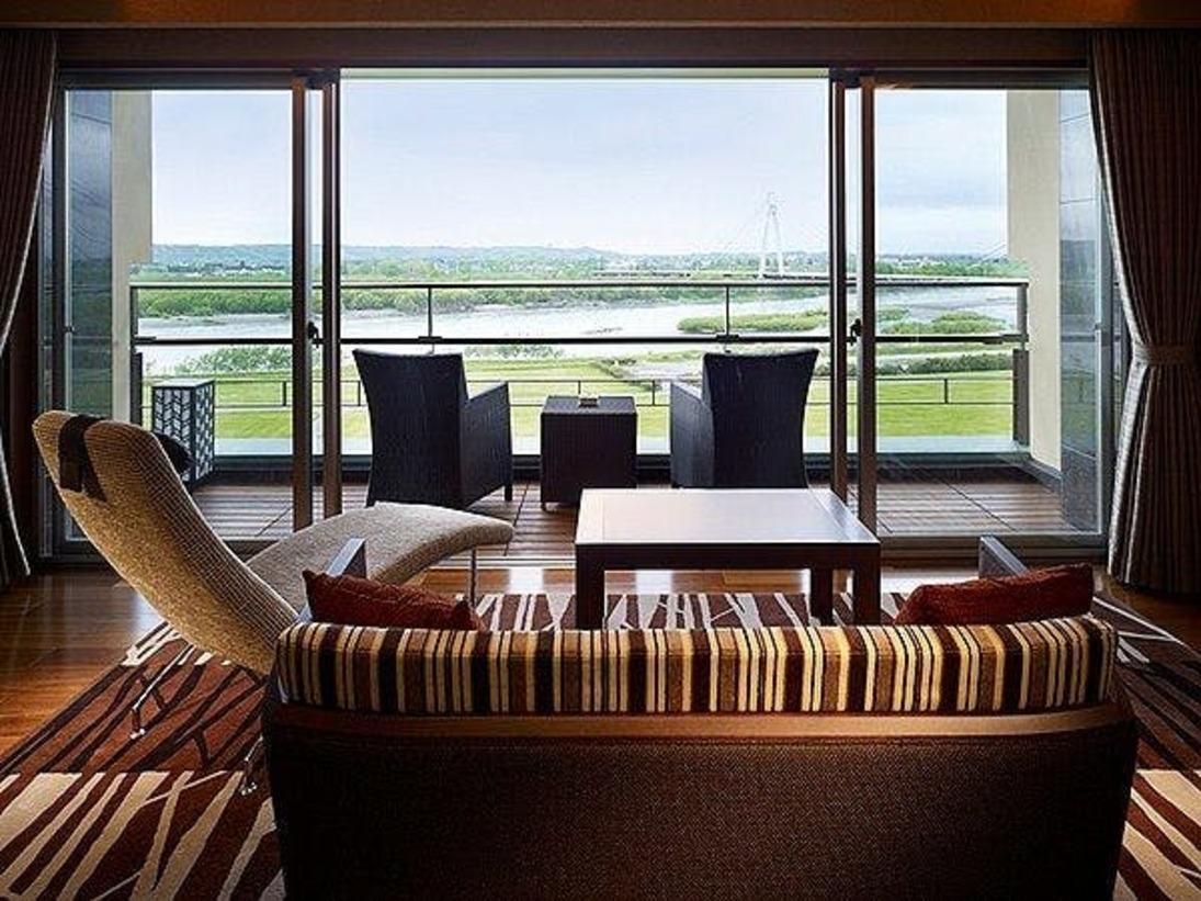 【豊洲亭モダンスイート】リビングスペースから望む。最上階。心放たれる雄大な風景を独占!