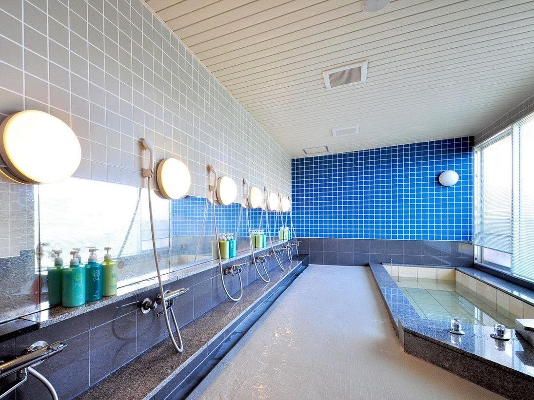 【男子大浴場】汗をさっぱりと洗い流せる大浴場です