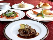 【シェフ一押し季節のコース:一例】旬の食材を多彩に利用したコースをご用意致します。