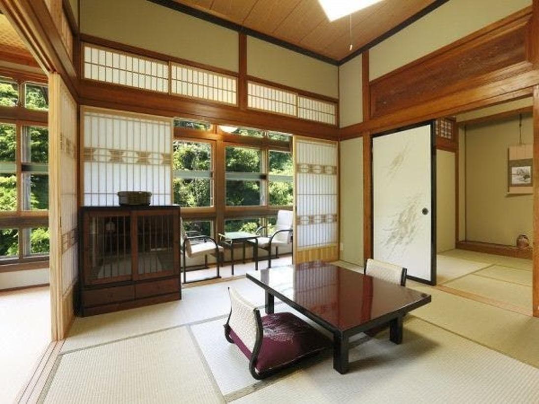 木造本館3階角部屋