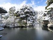 例年初雪は12月頃となり、本格的に降り積もる時期は1月中旬~2月初旬頃となります。※天候によって多少の前後がございますので予めご了承くださいませ。