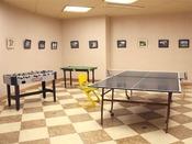 【娯楽室】卓球台やサッカーゲームなどがございます